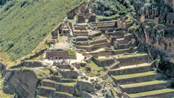videoblocks-aerial-view-of-temple-of-the-sun-ollantaytambo-sanctuary_обр-1.png